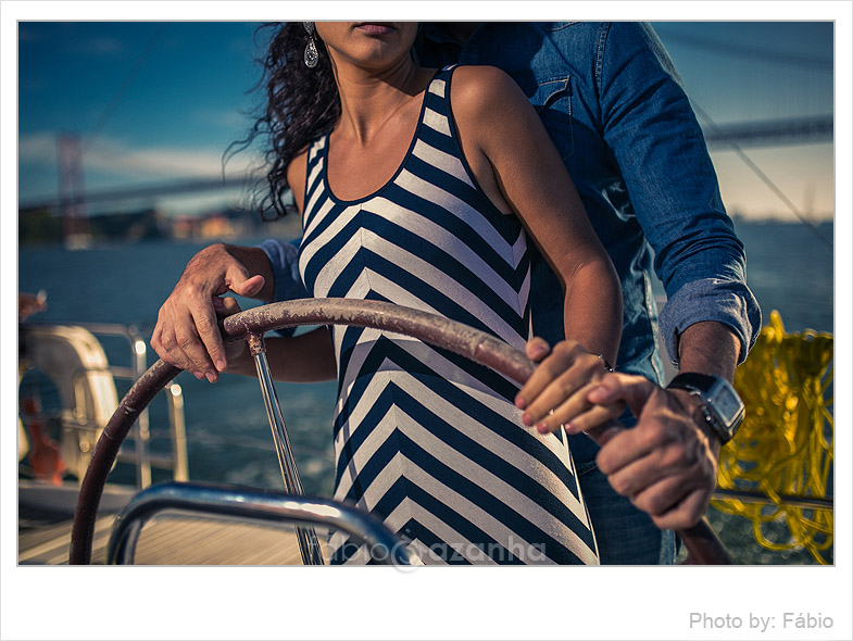 engagement-session-sailboat-lisbon-portugal-12